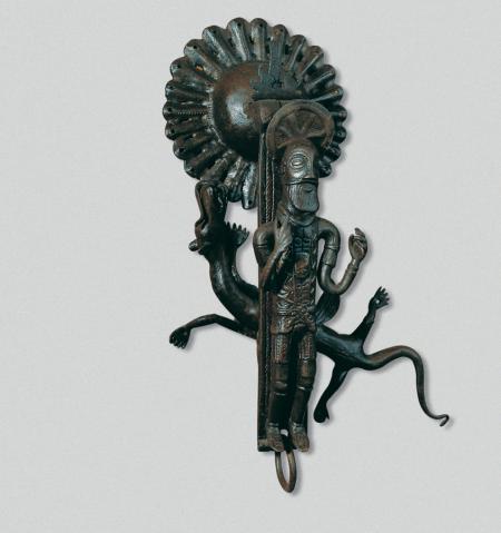 Picaporta de martell, amb les figures de sant Jordi i el drac