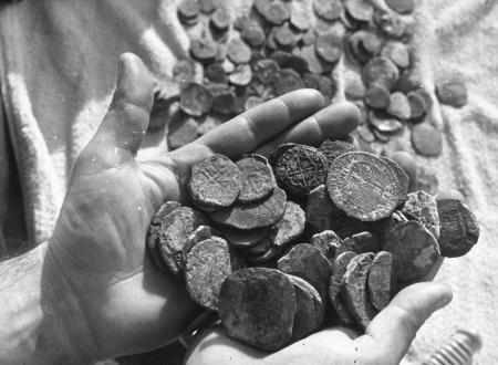 Monedes trobades l'any 1962 al fons marí de Sitges procedents d'un enfonsament de 1642