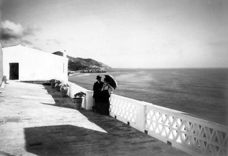 Miquel Utrillo i Lola Vidal, a les terrasses de Maricel el 1912